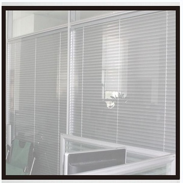 Double tempered glass aluminum link window